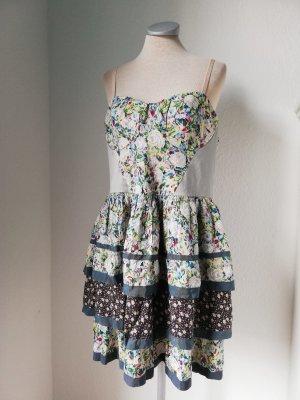 River Island Kleid Minikleid kurz hippi Folklore Blumen Corsage Gr. 44 XL