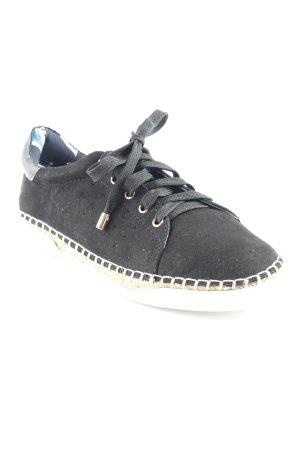 River Island Sneaker stringata nero stile atletico
