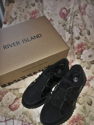 RIVER ISLAND – Sneaker aus verschiedenen Materialien