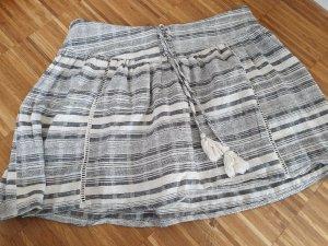Review Gonna di lana grigio chiaro