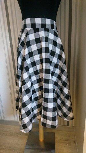 Jupe corolle noir-blanc tissu mixte