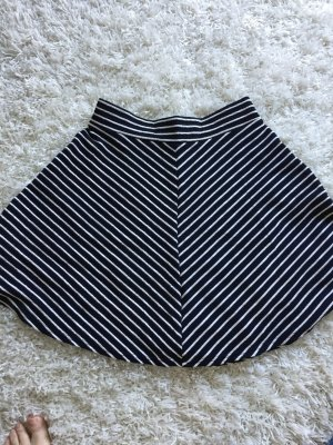 Jupe corolle blanc-noir