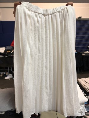 H&M Pleated Skirt white