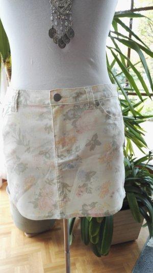 Rock von MANGO in Jeansstoff mit blassem Blumenmuster