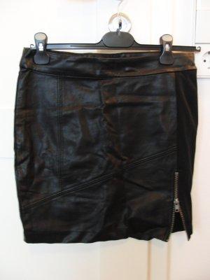Rock von VERO MODA (Style 'Zinda NW Short Skirt') im Leder-Lock, Gr. 36, schwarz