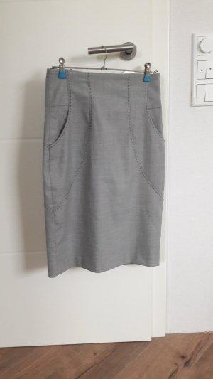 Rock von Zara grau mit schwarzen Nähten S 36