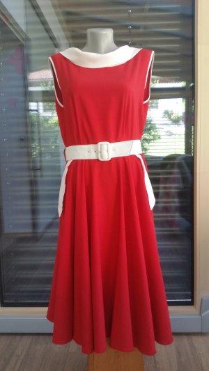 Robe avec jupon blanc-rouge