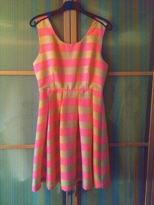 Robe avec jupon rose fluo-rose chair