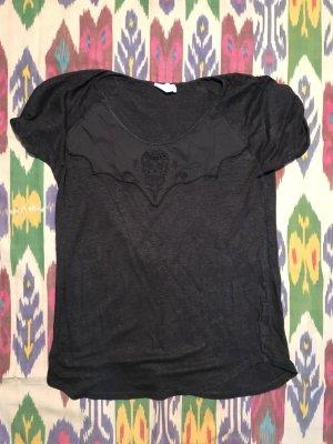 Rockiges Totenkopf T-Shirt