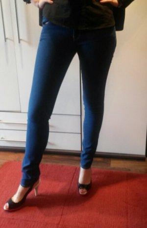 Röhren-Blue-Jeans von H&M