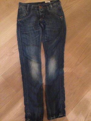 Röhren Jeans von H&M in Gr. 27
