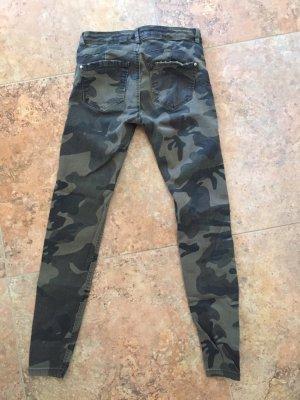 Bershka Drainpipe Trousers khaki