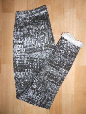 Röhrenhose H&M Gr. 38 blau