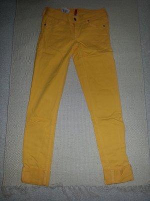 Röhrenjeans in Gelb von H&M