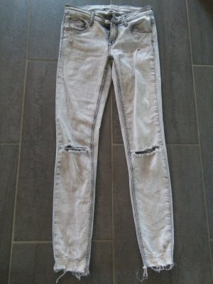 Röhrenjeans in Used-Optik