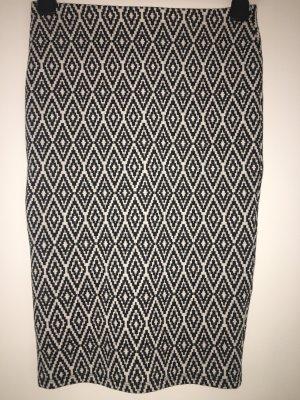 Röhrenrock/Bleistiftrock in schwarz weiß