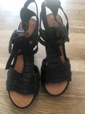 s.Oliver Roman Sandals black