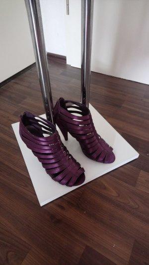 Römersandalen High Heels Anklebooties in Beerenton