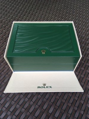 Rolex Watch With Metal Strap forest green-white