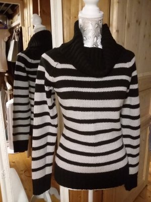 Blind Date Knitted Sweater black-grey