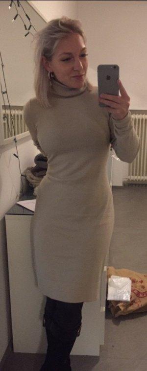 Robe pull beige clair