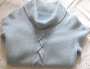Pull en cashemire bleu azur-bleu clair laine