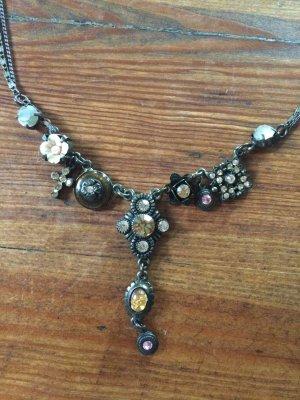 Romantische Halskette