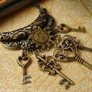Romantische Kette mit Schlüsseln l Vintage