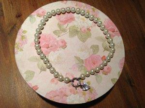 Romantische Perlenkette