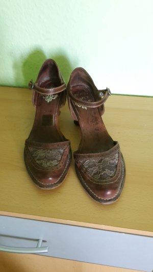 Romantische Sandaletten / Pumps