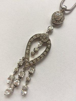 Romantische Silberkette mit vielen Zirkoniasteinen