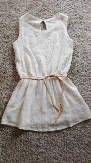 romantisches Kleid mit Bestickung