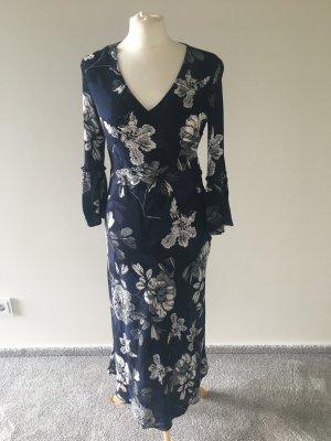 Romantisches Kleid mit Blumenmuster