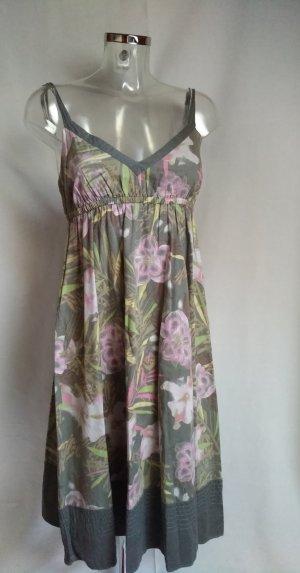 romantisches Kleid mit Blumenprint