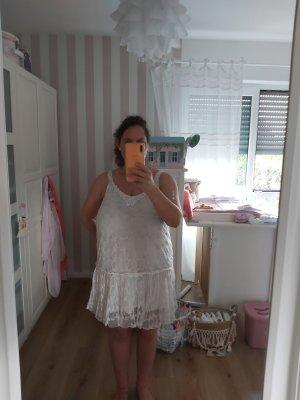 Romantisches Kleid mit Tüll und Häkelspitze Gr. L