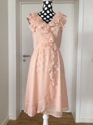 Romantisches Kleid mit Volant von Ariston