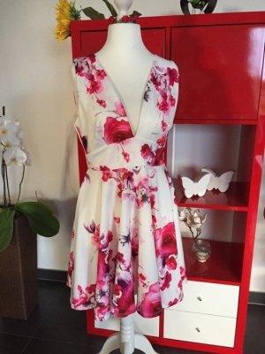 Romantisches Kleid von ASOS