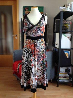 Romantisches Kleid von der französischen Marke GARELLA.