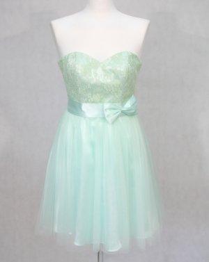 Romantisches Kleid von LAONA