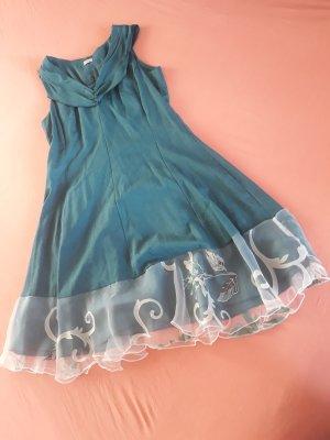 Romantisches Leinenkleid