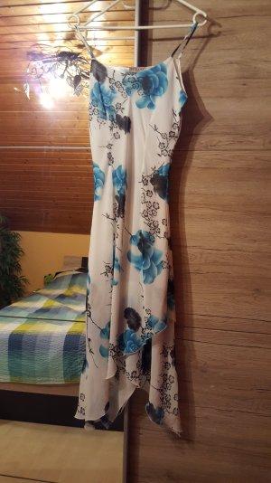 Romantisches Sommerkleid mit floralem Print