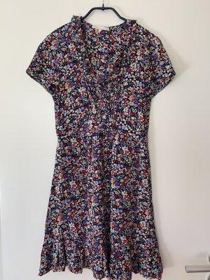 Romantisches Sommerkleid von Maje