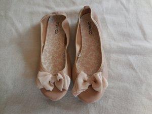 Rosa Ballerinas mit Satinschleifchen von H&M