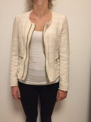 Rosa Boucle Jacke im Chanel-Style