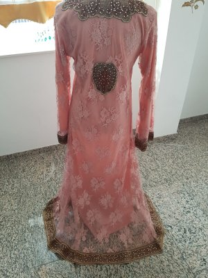 Rosa farbenes Kleid