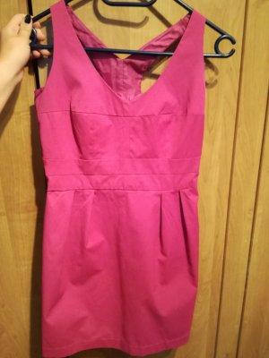 rosa Kleid sucht neues Zuhause