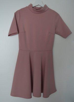Rosa Kurzarmkleid