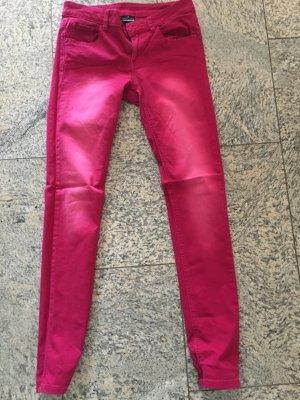 Rosa Pinke jeanshose