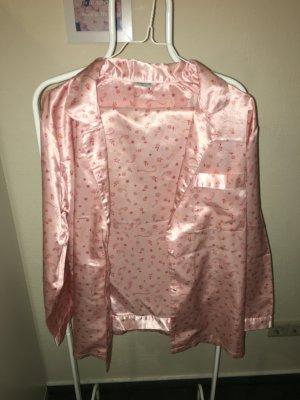 Rosa Pyjama mit Blumenprint