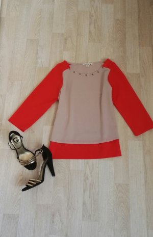 Rosa rote Bluse mit goldenen Nieten